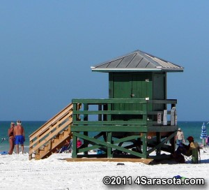 Siesta Beach green lifeguard stand �2011